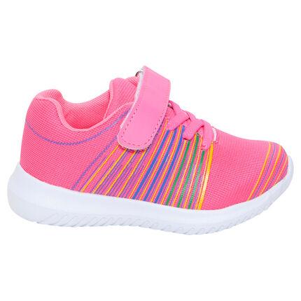 Zapatillas deportivas bajas de color rosa con cordones elásticos y velcro