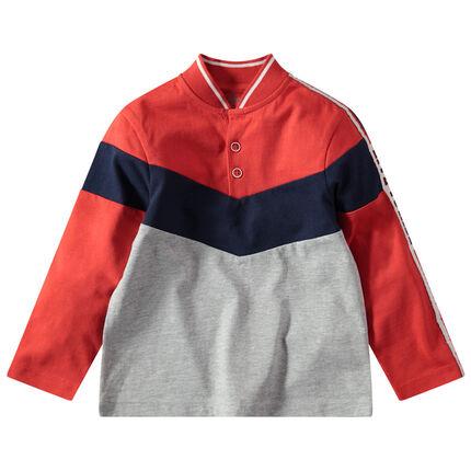 Polo de manga larga tricolor con cuello teddy y bandas que contrastan
