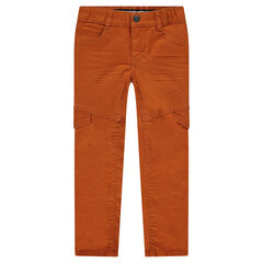 Pantalón de corte slim efecto arrugado con solapas