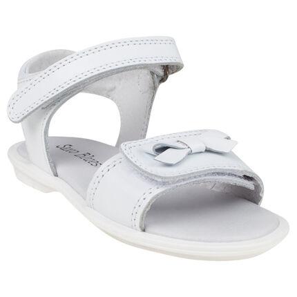 Zapatos descubiertos de cuero de color blanco con lazos