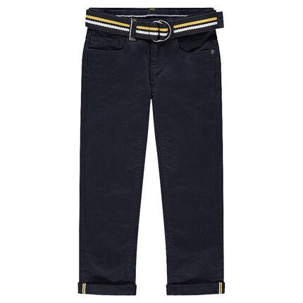 Pantalón de sarga azul marino con cinturón trenzado desmontable