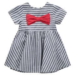 Vestido de manga corta con rayas que contrastan y lazo rojo cosido