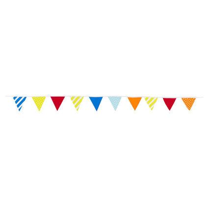 Guirnalda de cumpleaños con triángulos de colores y motivos de fantasía