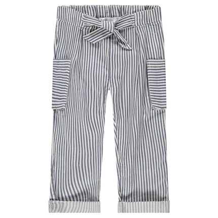 Pantalón recto de rayas all over y bolsillos