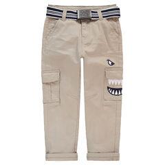 Pantalón de sarga con cinturón extraíble y detalles bordados