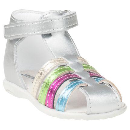 Sandalias plateadas de cuero con tiras multicolor