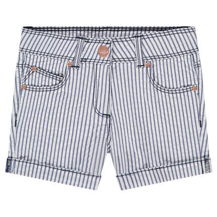 Pantalón corto de tela con rayas verticales