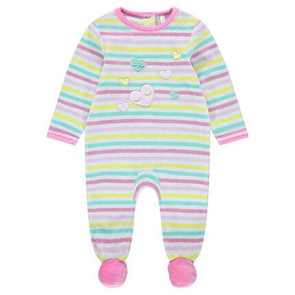 Pijama de terciopelo de rayas que contrastan y corazones bordados