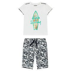 Conjunto de camiseta con estampado tabla de surf y bermudas de flores all over