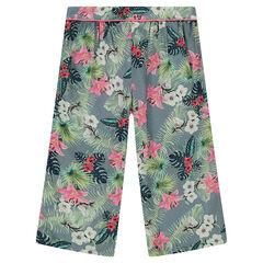 Pantalón corto ampliio con flores estampadas all over