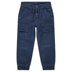 Pantalón teñido con bolsillos y tobillos elásticos