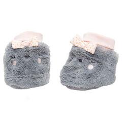 Zapatillas de borreguito con detalles bordados y lazos cosidos