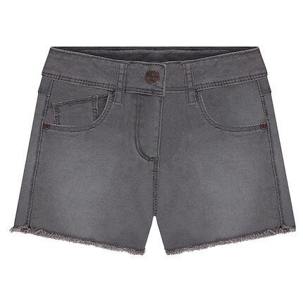 Pantalón corto de sarga efecto teñido y gastado con acabados sin rematar