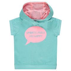 Camiseta deportiva con capucha