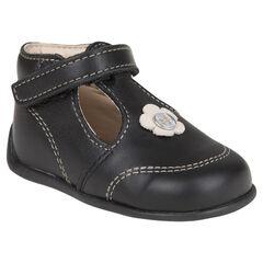 Zapatos salomé de cuero de color negro con detalle