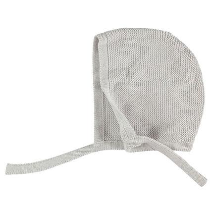 Gorro de punto tricotado con cordones anudables