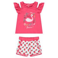 Conjunto con camiseta con los hombros calados y pantalón corto con estampado de fresas