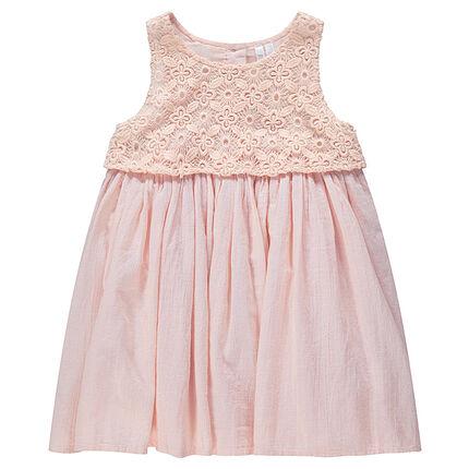 Vestido bimaterial rosa de encaje y crepé