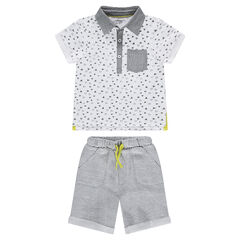 Conjunto de polo con estampado all-over y bermuda de felpa