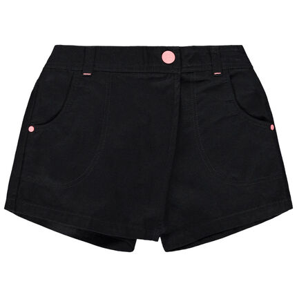 Falda pantalón corto de sarga.