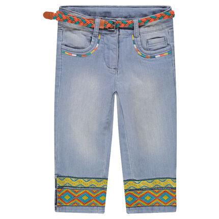 Pantalón corto vaquero con efecto desgastado y cinturón trenzado