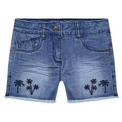 Pantalón corto vaquero efecto gastado y arrugado con palmeras bordadas