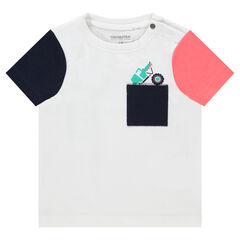 Camiseta de manga corta que contrasta y bolsillo estampado