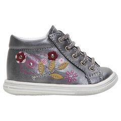Botines primeros pasos de niña de cuero plateado con flores bordadas