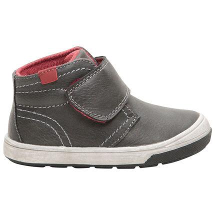 Zapatillas subidas con efecto de cuero y amplio velcro