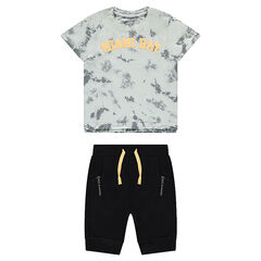 Conjunto con camiseta de efecto shibori y bermudas