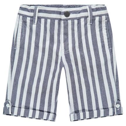 Bermudas con rayas verticales en contraste all-over y bolsillos