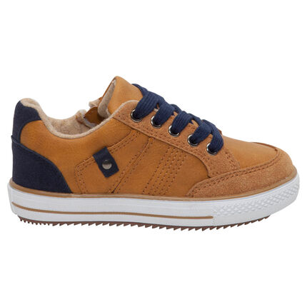 Zapatillas bajas con efecto ante y toques azul marino