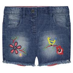 Shorts vaqueros con efecto desgastado y dibujos bordados