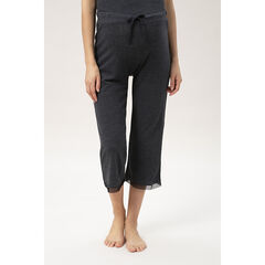 Pantalón corto de punto jaspeado con acabados de tul