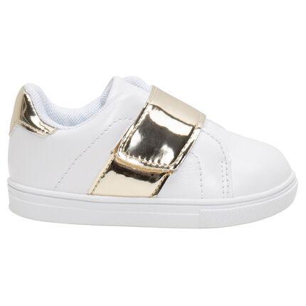 Zapatillas bajas con efecto cuero y aplicaciones doradas de la 20 a la 23