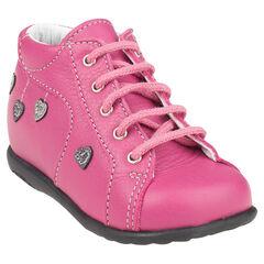 Botas bajas con cordones de cuero de color rosa aplicación con estampado corazón
