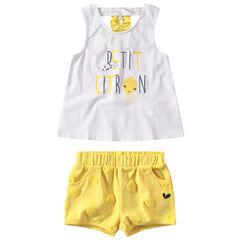 Conjunto de camiseta de punto con mensaje estampado y bermudas amarillas de lunares