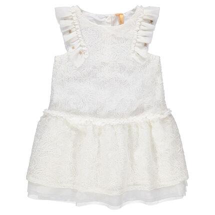 Vestido de fiesta blanco con encaje y volantes en las mangas