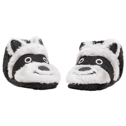 Zapatillas con detalles bordados y orejas de relieve
