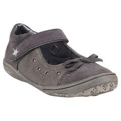 Zapatos merceditas de color gris con remaches con lazos