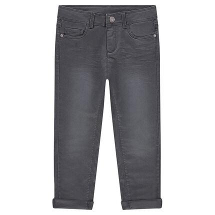 Pantalón de sarga liso con efecto gastado y arrugado