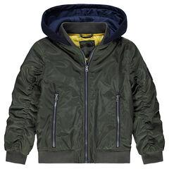 Cazadora caqui con amplios bolsillos con cremallera y capucha estampada de felpa