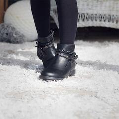 Botines negros de imitación piel con trenza y lazo en el tobillo