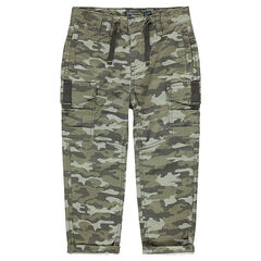 Pantalón de estilo cargo con bolsillos y motivo militar all-over