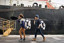 Dock workers 8-14 años